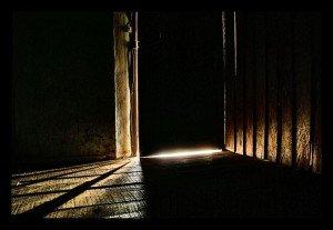 la lumière sous la porte
